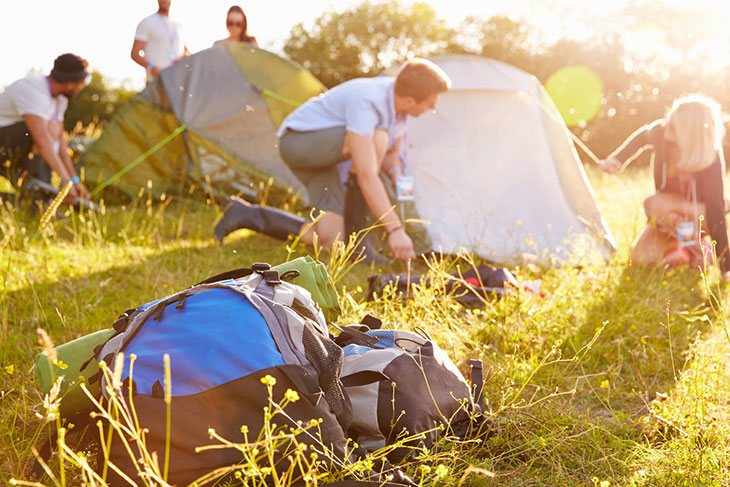 how to pitch a tent without stakes
